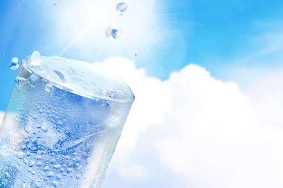氷や水と扇風機で節電しながら部屋を涼しく