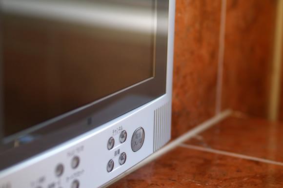 ブラウン管テレビの電気代は?節電するなら液晶テレビへの買い替えがお得