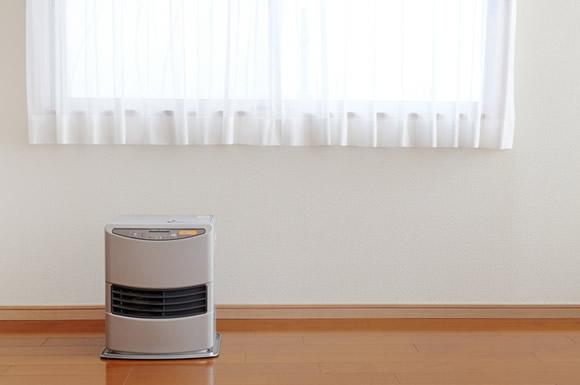 ガスファンヒーターのガス代は?節約術や石油ストーブ・エアコンとコストを比較