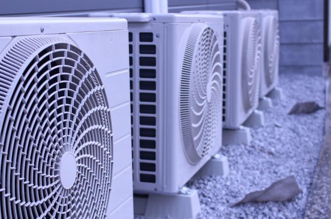 エアコンの室外機がうるさい!動かない!正しいメンテナンスで電気代も節約