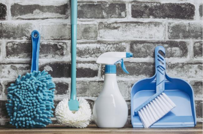 青い掃除道具