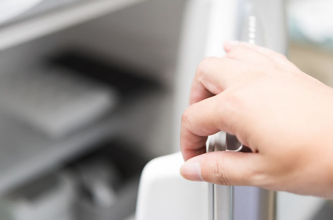 【冷蔵庫のお掃除方法】重曹やクエン酸などがおすすめ!電気代も節約