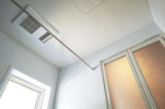 浴室乾燥機の電気代(消費電力)は年間3万円以上?節約する方法は?