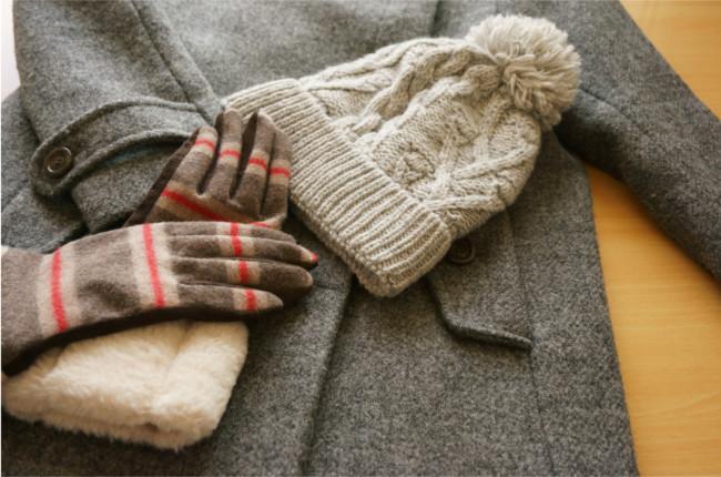 冬の寒さ対策になる「服装」とは?重ね着の方法やあったかグッズを活用しよう